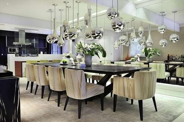 4. Projeto de sala de jantar de luxo moderna. Fonte: Moreno Interiores