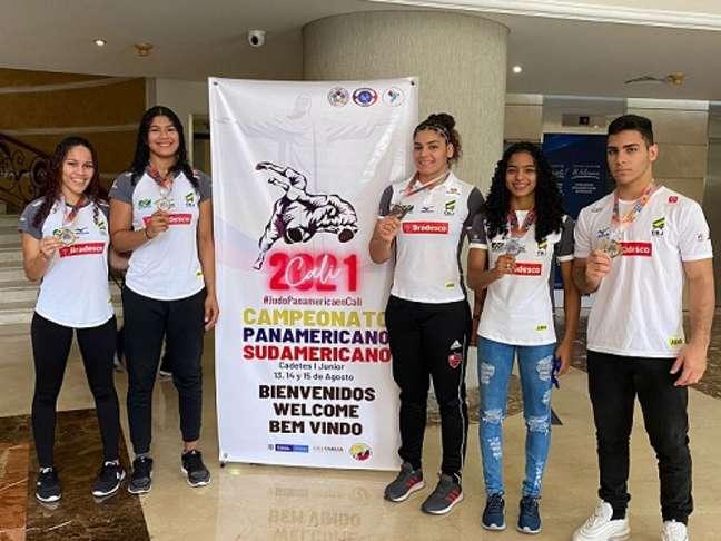 Atletas ligados ao Time Judô Rio que vão participar do Mundial Júnior de Judô (Foto: Arquivo Pessoal)