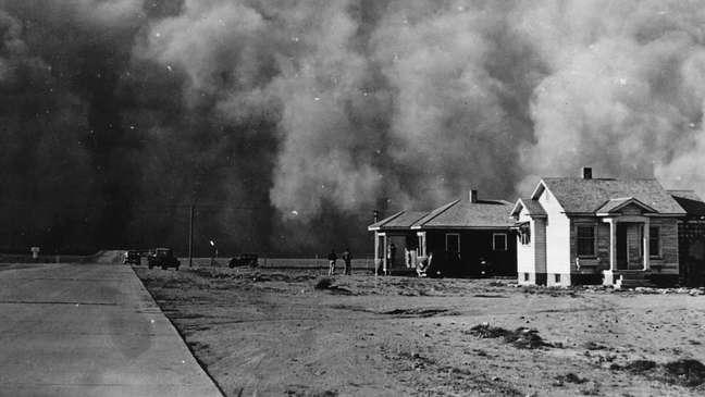 Tempestade de poeira ocorrida em Oklahoma (EUA) nos anos 1930