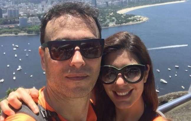 André Rizek e Andréia Sadi são casados desde 2020