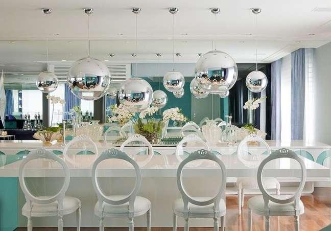 28. Projeto de sala de jantar de apartamento de luxo. Fonte: Brunete Fraccaroli
