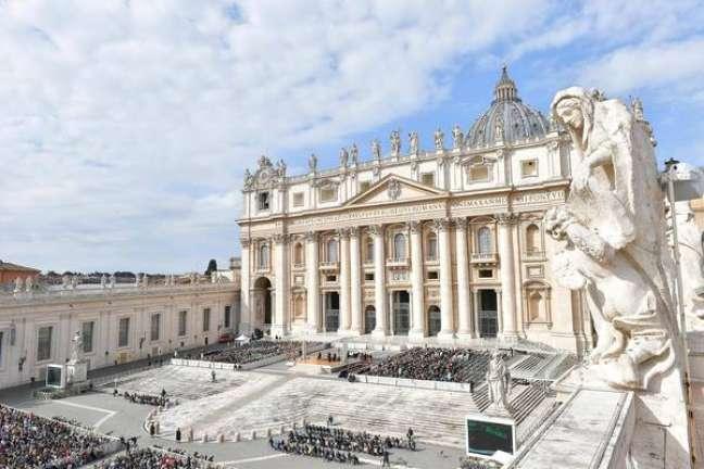 Vista da Praça São Pedro, no Vaticano