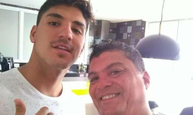 Claudio se aproximou do filho após alerta de Yasmin Brunet (Foto: Arquivo pessoal)