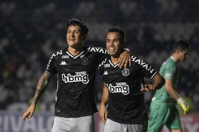 Vasco supera o Goiás e engata 2ª vitória seguida na Série B