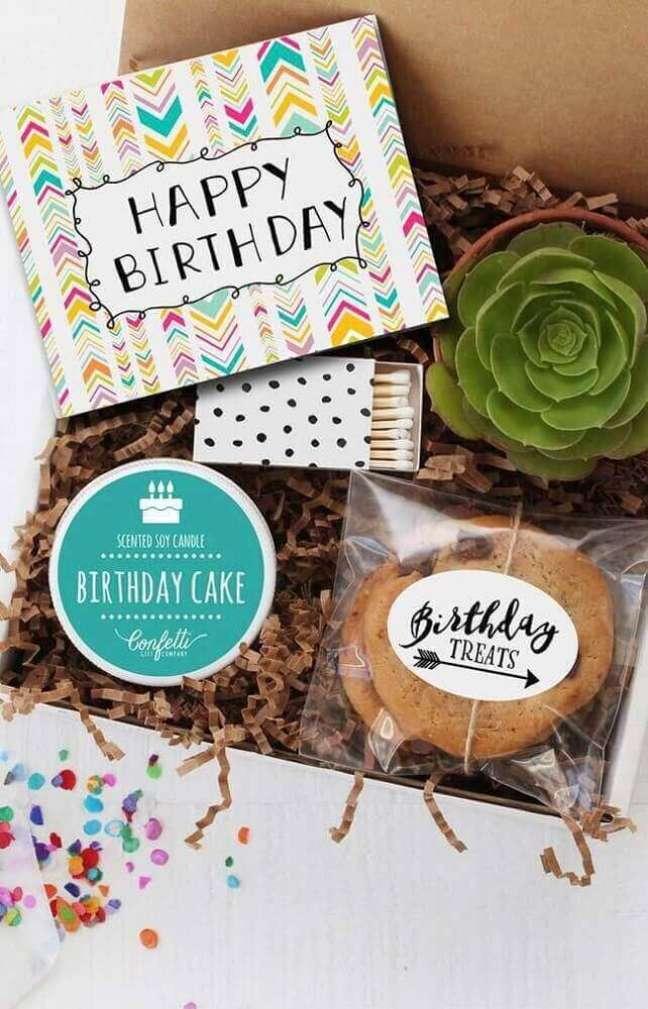 15. Ideia de decoração com suculentas para festa na caixa de aniversário – Foto: Home Decoo