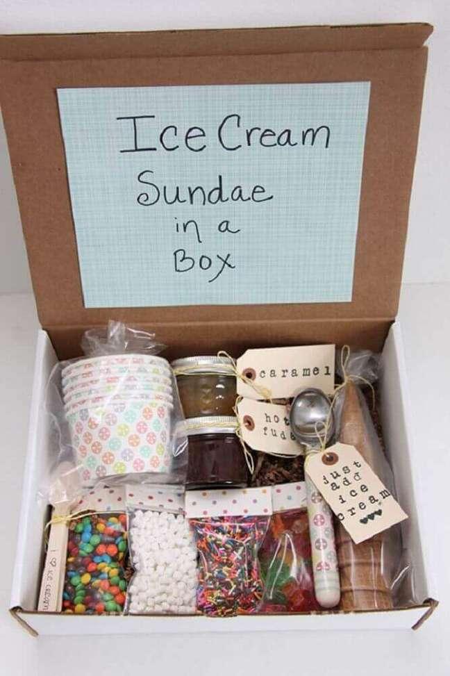 68. Caixas simples precisam ser bem recheadas para fazer uma linda festa na caixa – Foto: Fall Home Decor