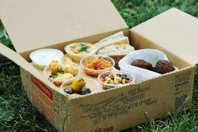2. Modelo de festa na caixa simples para pequena celebração – Foto: The Local Tourist
