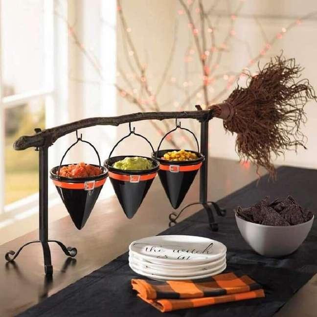 80. Itens para decoração de mesa Dia das Bruxas – Foto: Trendecora