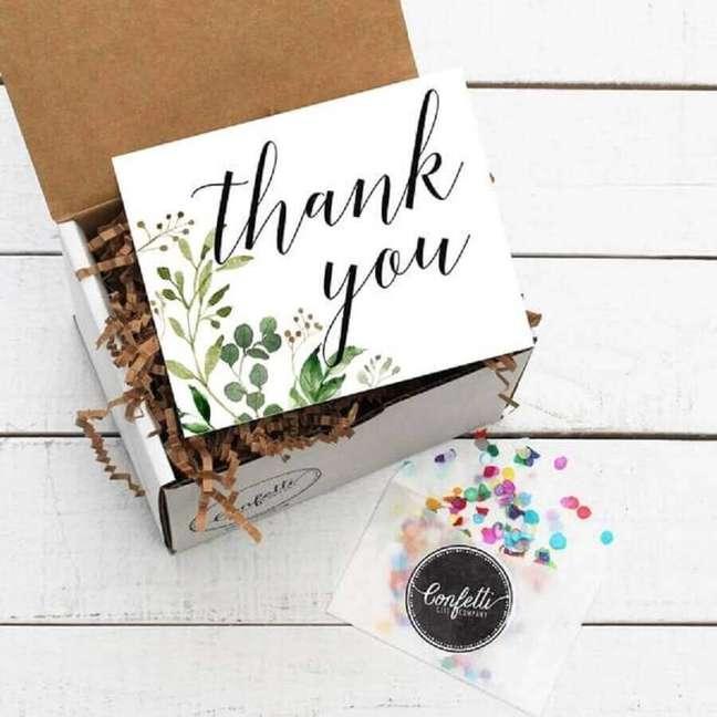 3. Saiba escolher o tamanho certo da sua festa na caixa – Foto Confetti Gift Company