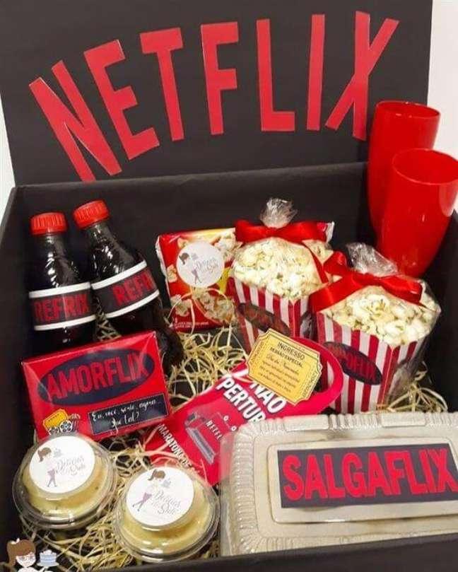 64. Festa na caixa para quem ama Netflix. Fonte: Artesanato Passo a Passo