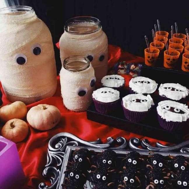 71. Ideias simples e fáceis de fazer para decoração Dia das Bruxas – Foto: Cristina Festas