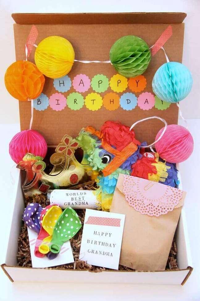6. É importante que a festa na caixa infantil seja muito divertida e tenha muitas cores – Foto Birthday Activities