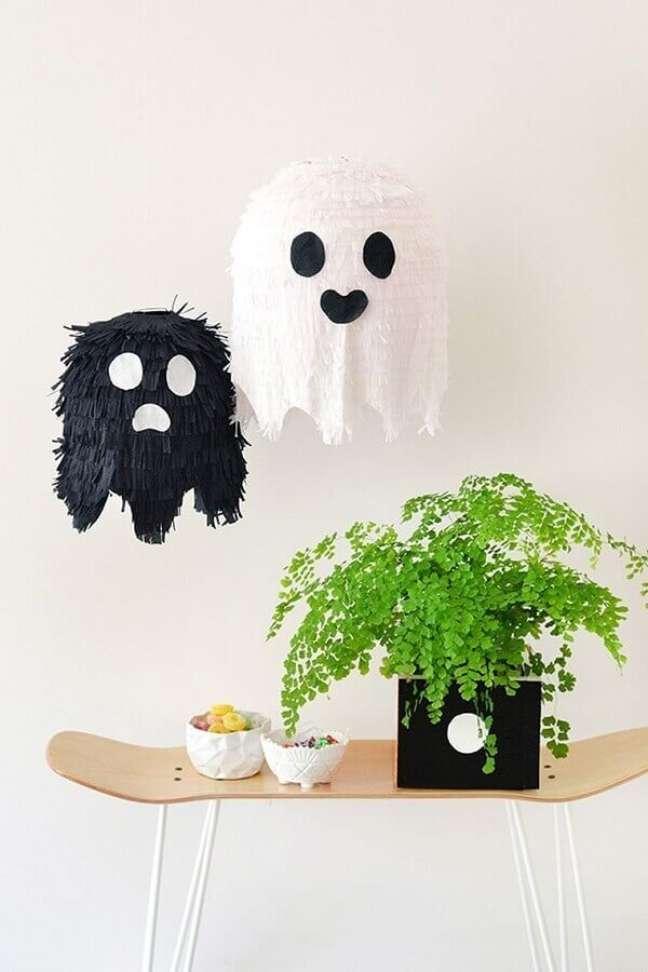 65. Detalhes delicados para decoração de Halloween – Foto: Handbox