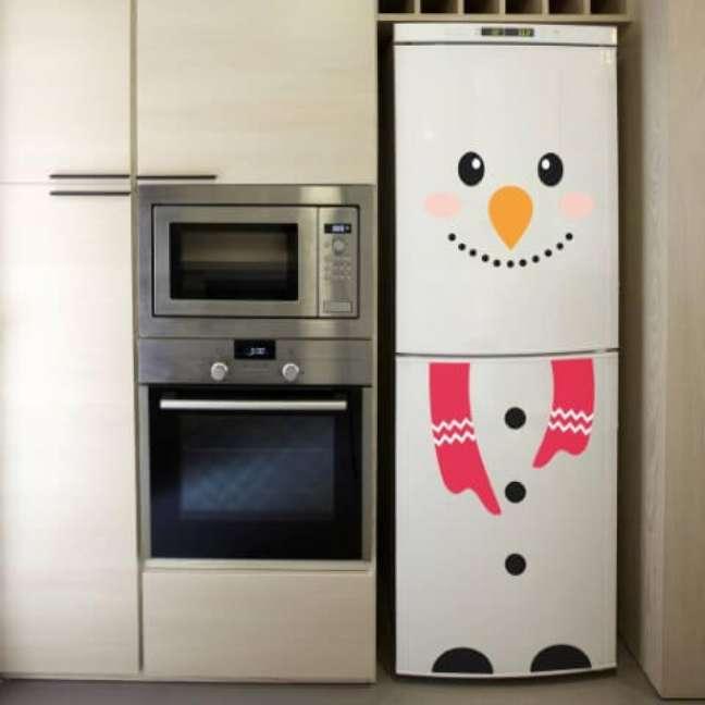 46. Geladeira com estampa de boneco de neve. Fonte: Oakdene Designs
