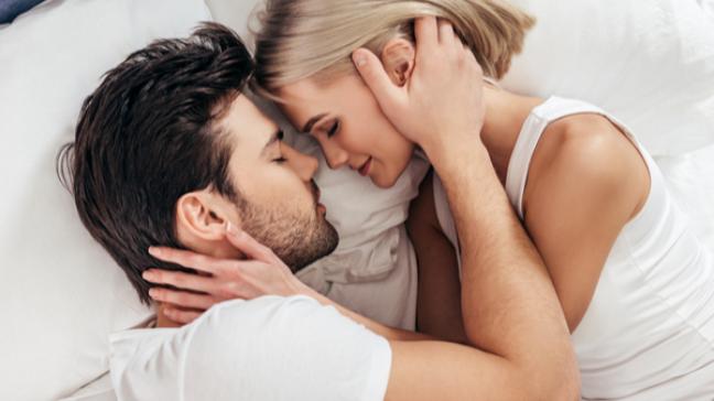 Precisando daquela forcinha nos assuntos do coração? Os astros podem te ajudar! - Shutterstock