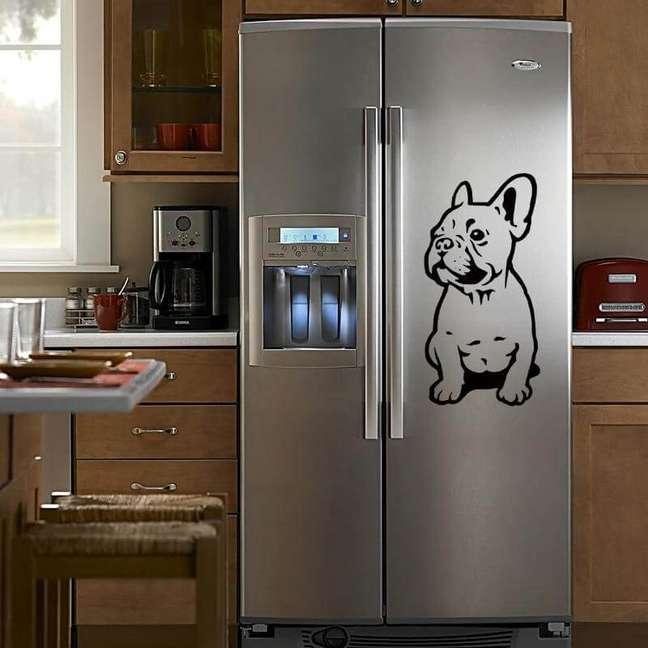 48. Adesivo de cachorro para geladeira adesivada inox. Fonte: AliExpress