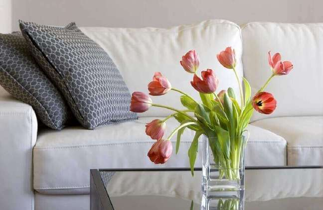 1. Há diversos tipos de flores que podemos utilizar para decorar nossa casa – Foto Debreny