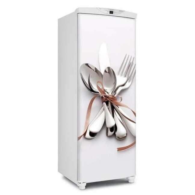 74. Detalhes que fazem toda a diferença: adesivos na geladeira. Fonte: Mercado Livre