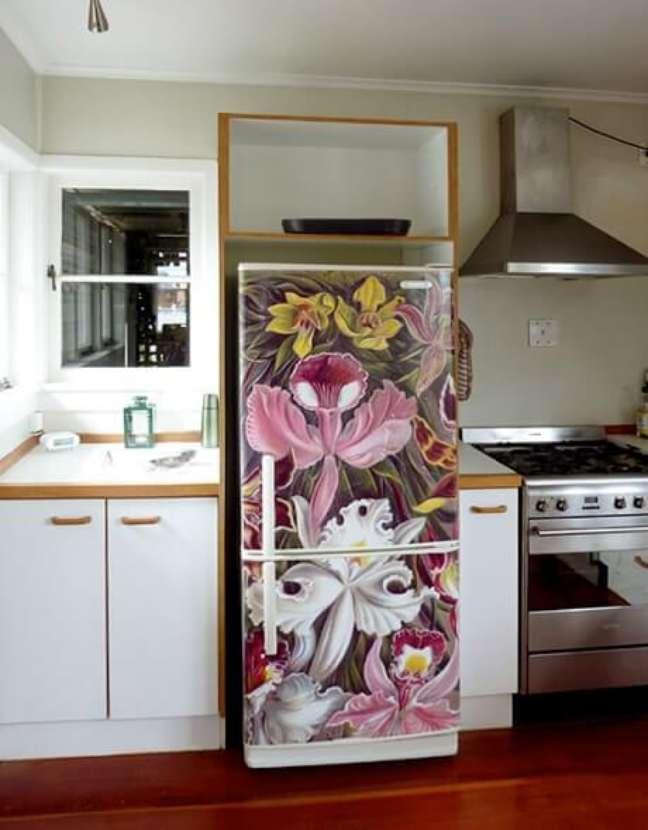 52. Geladeira com estampa de orquídeas. Fonte: Trends Ideas