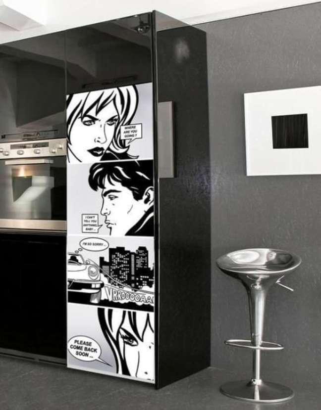 59. Transforme a decoração com adesivos criativos. Fonte: Como Fazer em Casa