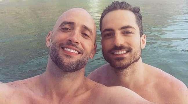 O casal Paulo Gustavo e Thales Bretas se tornou um símbolo de amor contra a intolerância