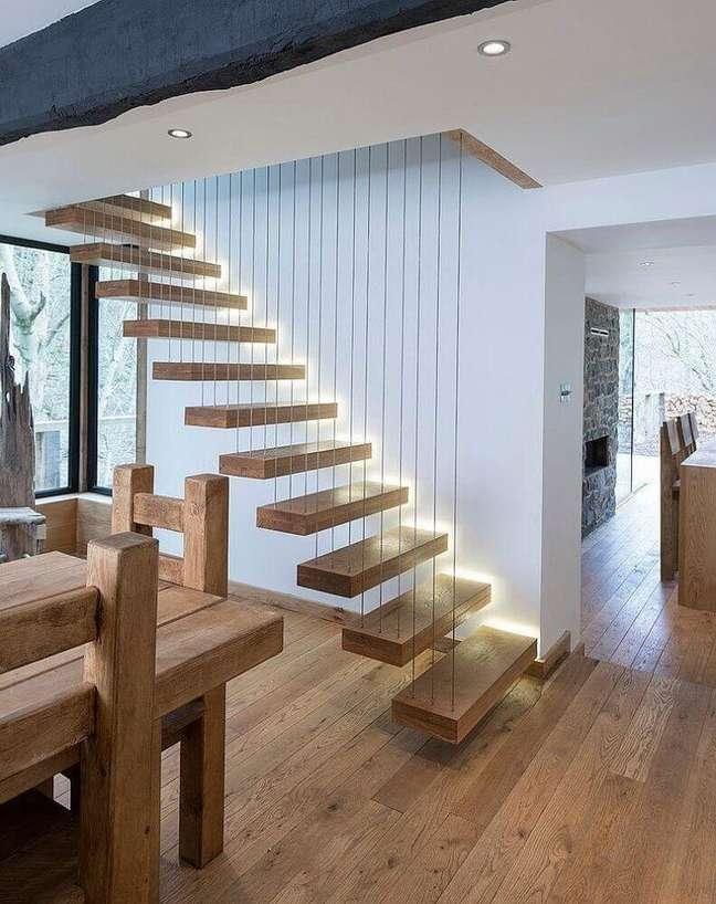 42. O guarda corpo da escada pode transformar a decoração de um ambiente. Fonte: Houzz