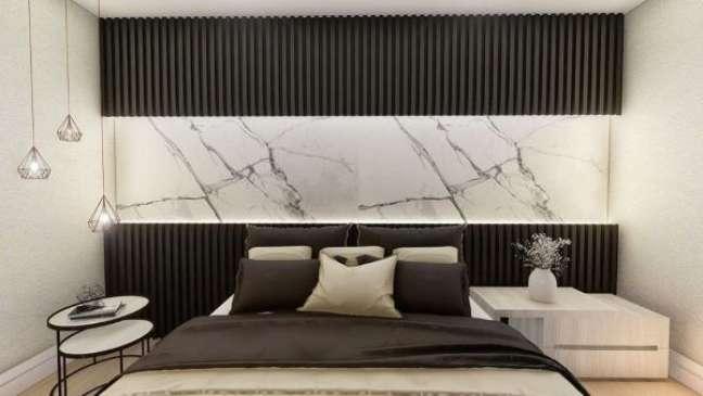 3. Cabeceira ripada preta com detalhe em mármore branco na parede – Foto Tes Eline Evelyn