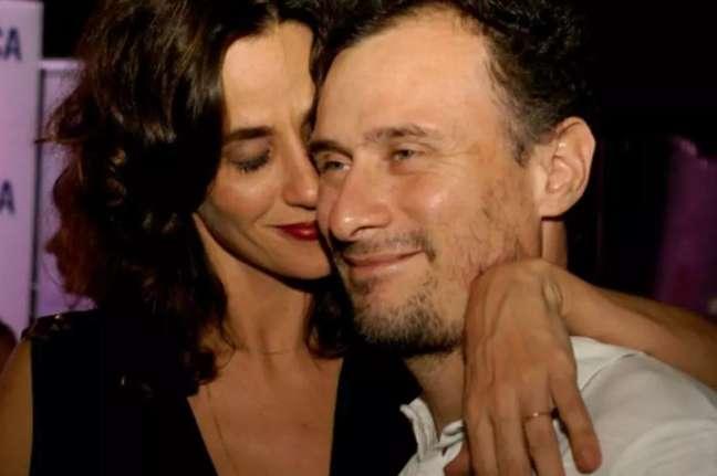 Na entrevista, a atriz detalhou seu casamento com o ator Enrique Diaz.
