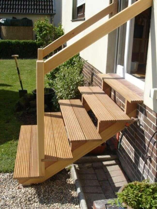54. Modelo de escada para área externa. Fonte: Alibaba