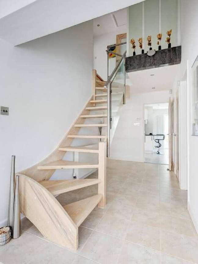 15. Modelo de escada para decoração clean. Fonte: Blog da Decoração