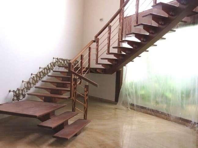 50. Modelo de escada simples. Fonte: Alibaba