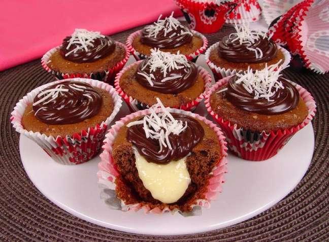 Guia da Cozinha - Cupcake de prestígio: opção de sobremesa deliciosa