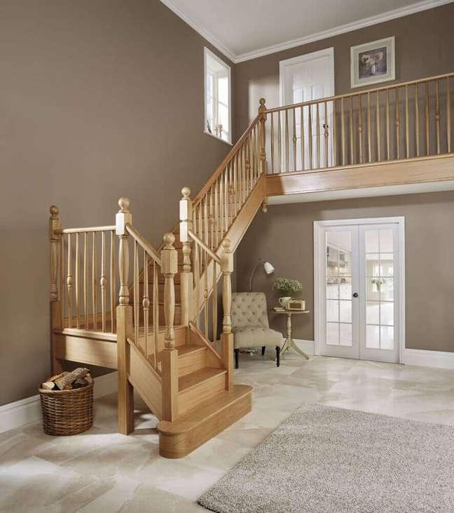 47. Modelo de escada de madeira simples e bonita. Fonte: Best Home Design