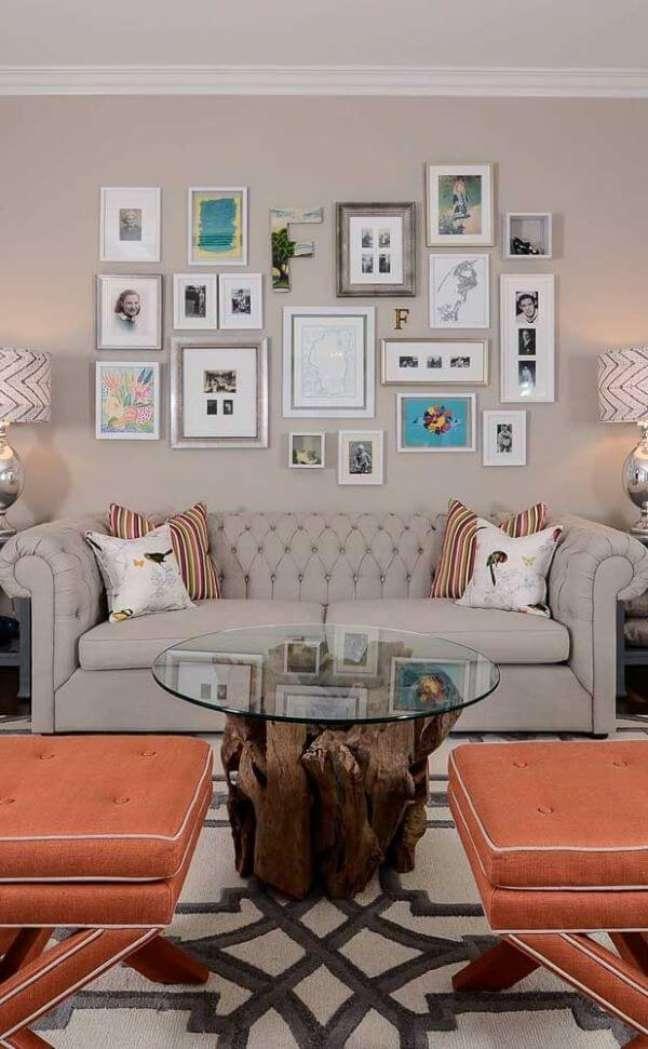 11. Sala de estar moderna em tons claros – Via: Houzz