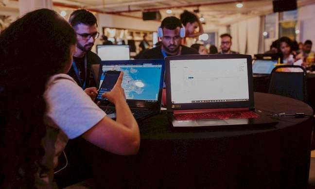 O evento Hackathon que foi 100% online   Sony Music