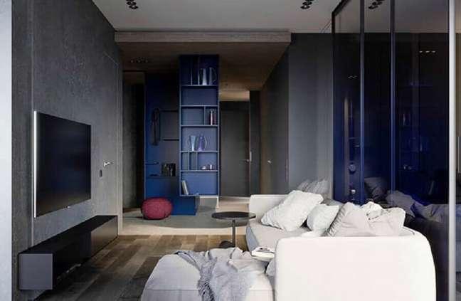 34. Cores de casas modernas para decoração de sala cinza e azul marinho – Foto: Decor Fácil