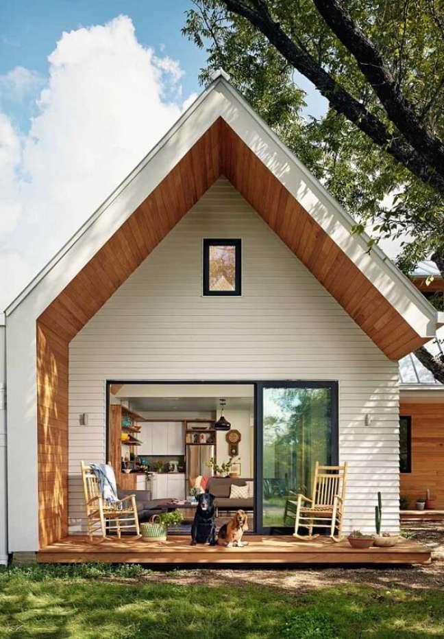 3. Casas simples com pé direito alto são puro estilo. Fonte: Decor Fácil