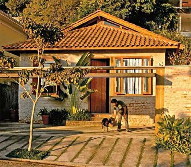 20. Modelo de frente de casas simples e bonita. Fonte: Lolafá