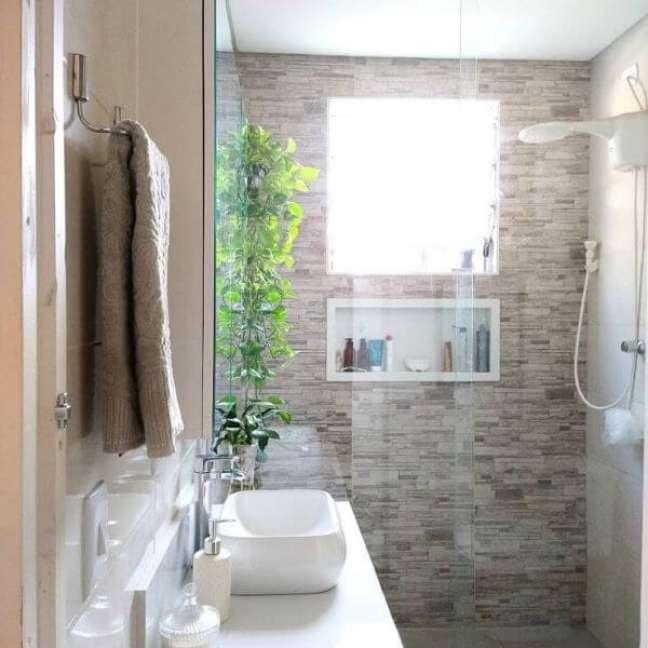 9. Banheiro com nicho de porcelanato branco – Foto Nossa Casa 93