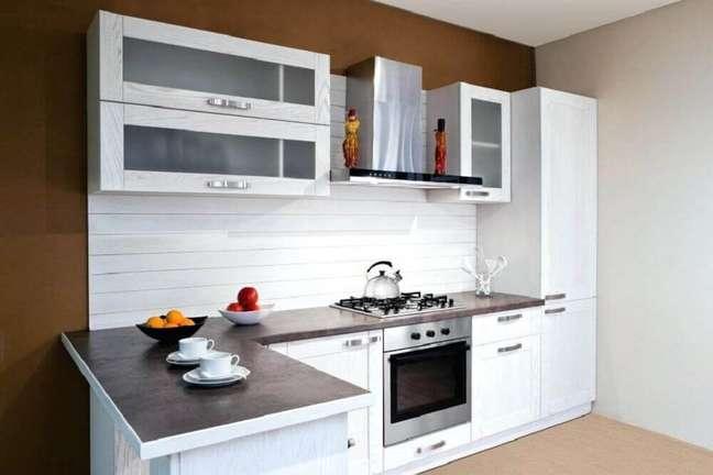 48. Modelo de decoração de cozinha simples e bonita. Fonte: Homular