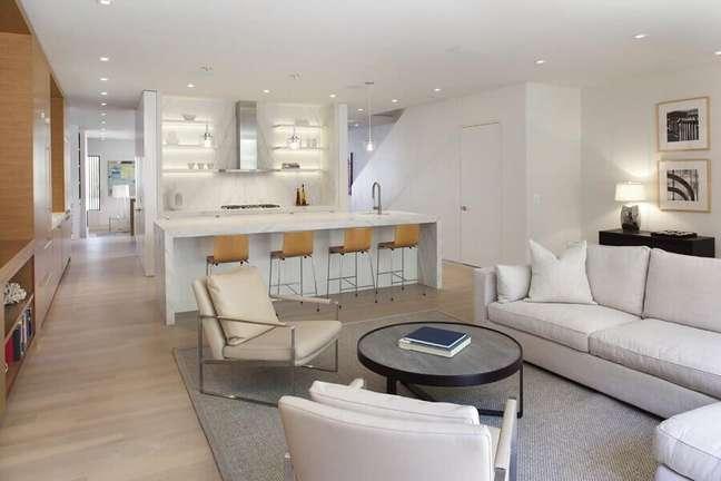 29. Cores de casas modernas para decoração de casa branca conceito aberto – Foto: Design Line Construction