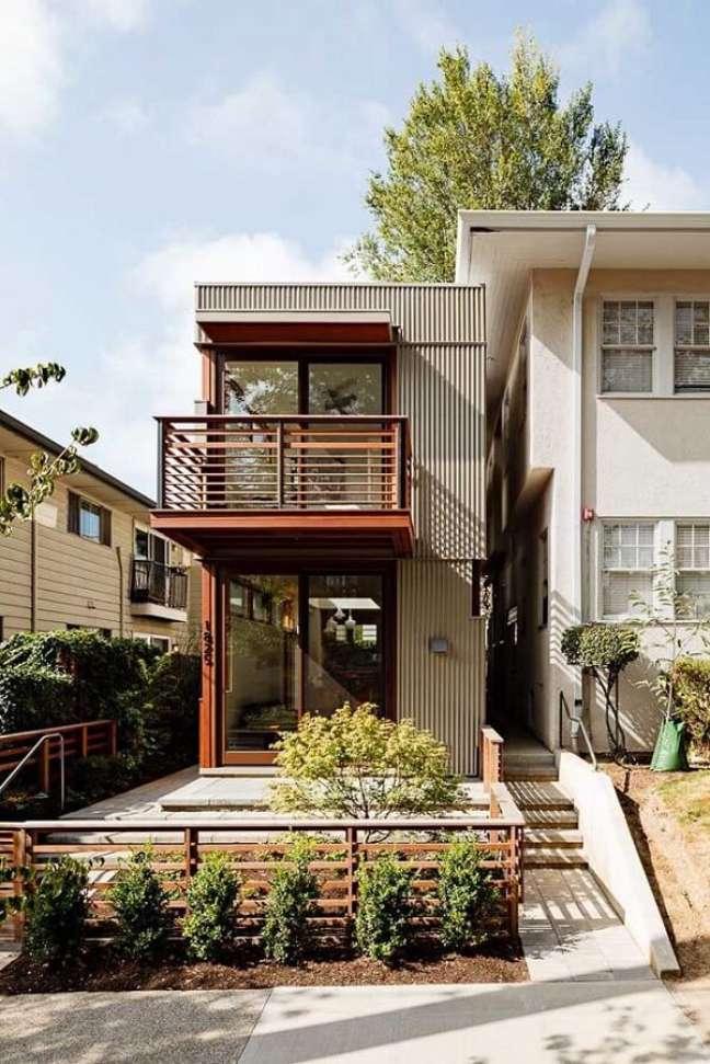 75. Casas simples feitas com container transpiram criatividade. Fonte: Fine Homebuilding