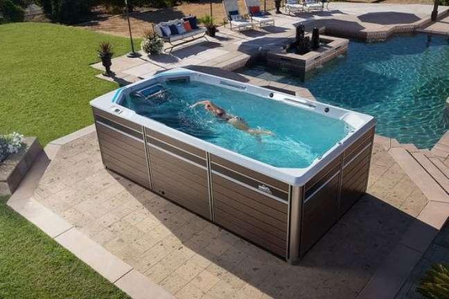 40. Quintal com jacuzzi externa perto da piscina – Foto Flickr