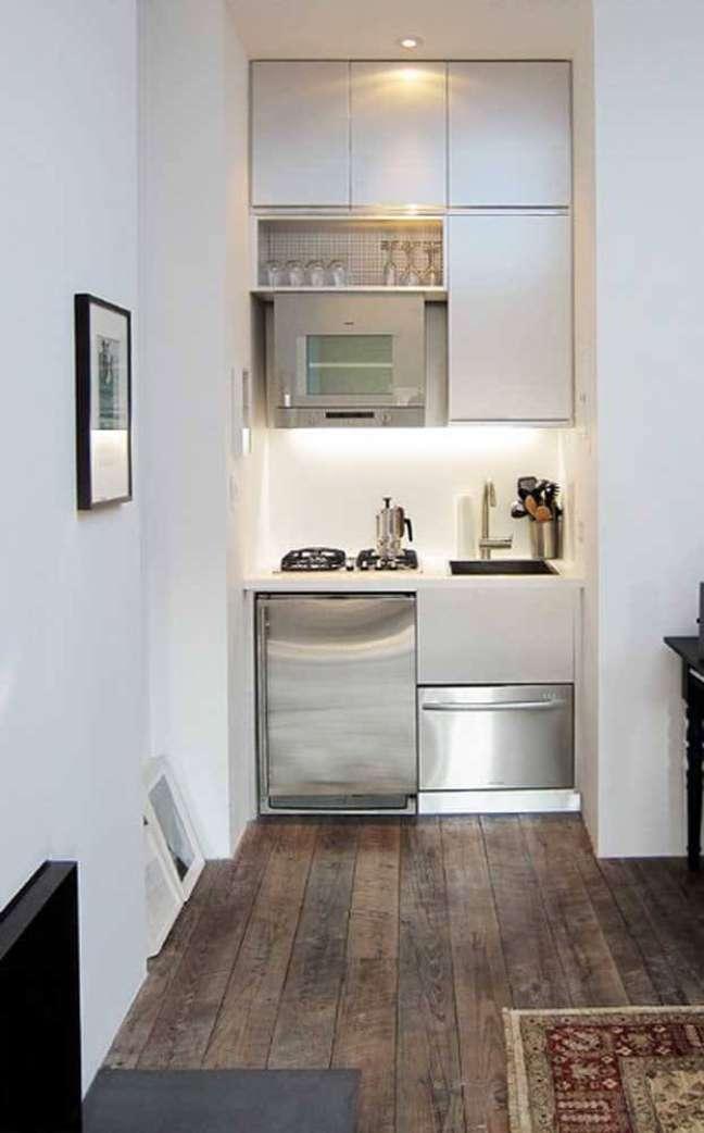 58. Modelo de cozinha pequena e funcional para casas simples. Fonte: Houzz