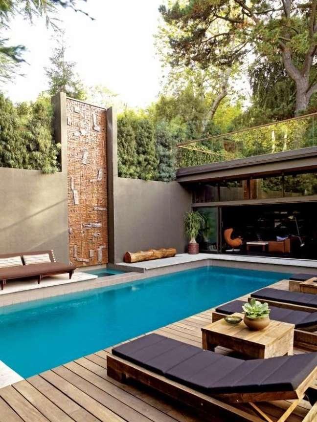 42. Quintal com piscina e churrasqueira – Foto Obras na Casa