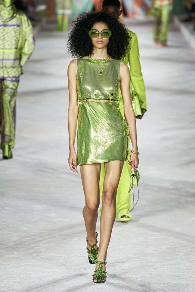 Raynara Negrine na Versace