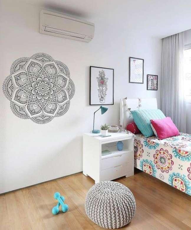 52. O desenho à mão livre traz personalidade para a decoração das casas simples. Fonte: Home Fashion Trend