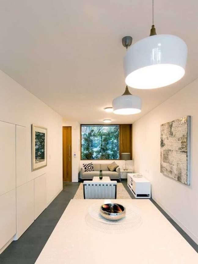 10. Invista em cores neutras e claras na decoração de casas simples e pequenas, pois elas dão a sensação de amplitude. Fonte: Ideias Decor