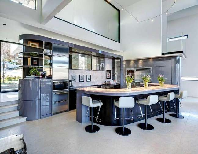 32. Cores de casas modernas para decoração de cozinha cinza planejada – Foto: Cablik Enterprises