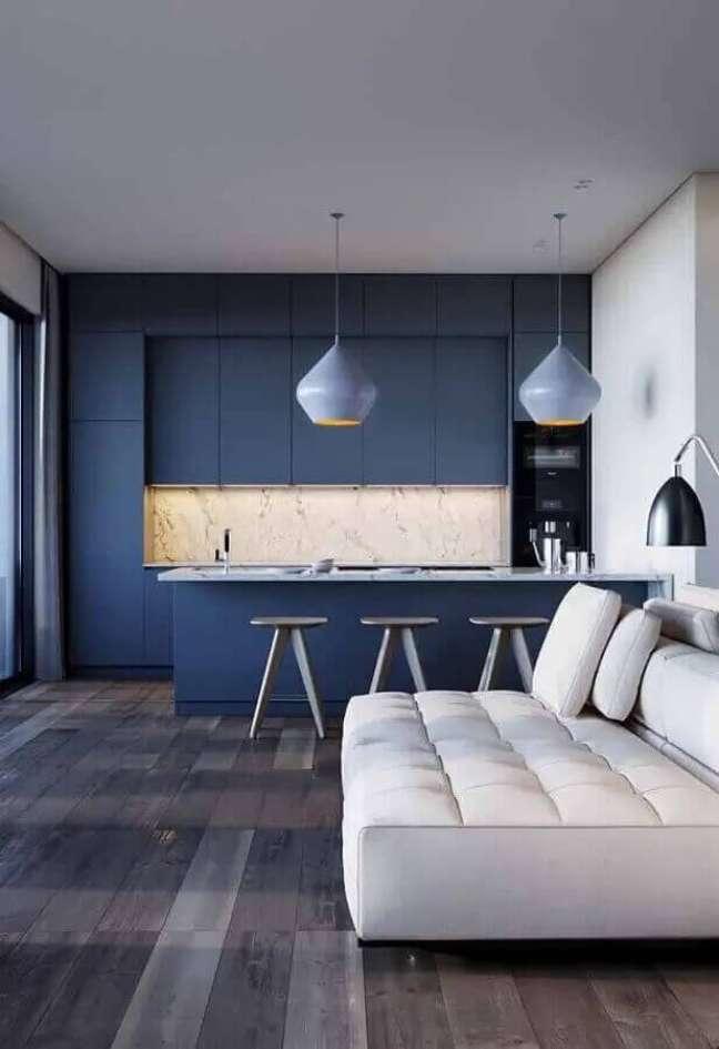 46. Cores de casas modernas para sala e cozinha integrada azul e branca – Foto: Maison Gabriele